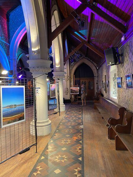 Exposition photo «Nos échappées belles» à l'église Anglicane à Hyères - 1