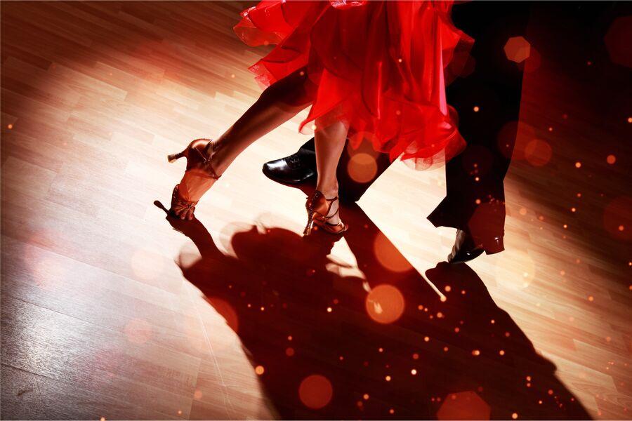 Après-midi dansant à Six-Fours-les-Plages - 0