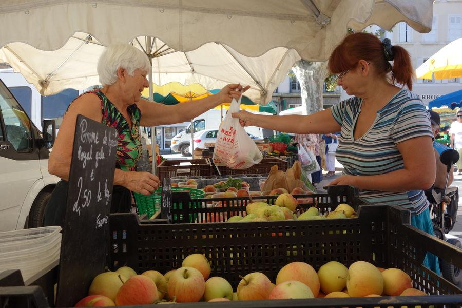 Le marché paysan du centre-ville à Hyères - 5