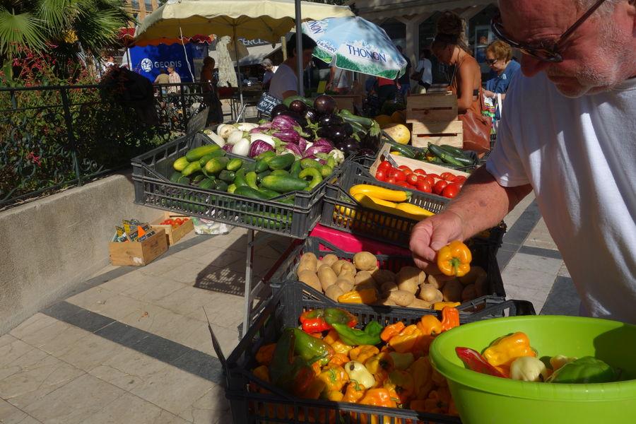 Le marché paysan du centre-ville à Hyères - 1
