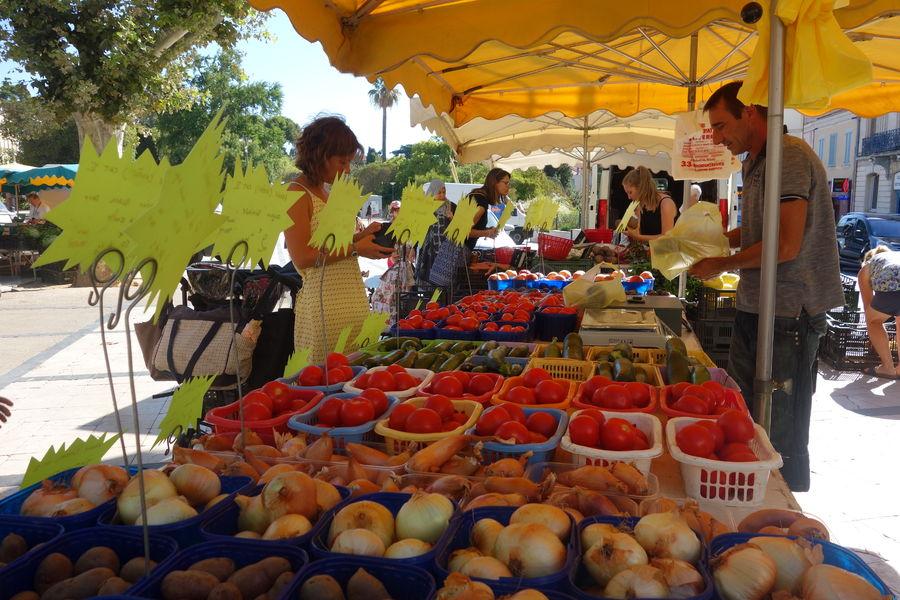 Le marché paysan du centre-ville à Hyères - 9