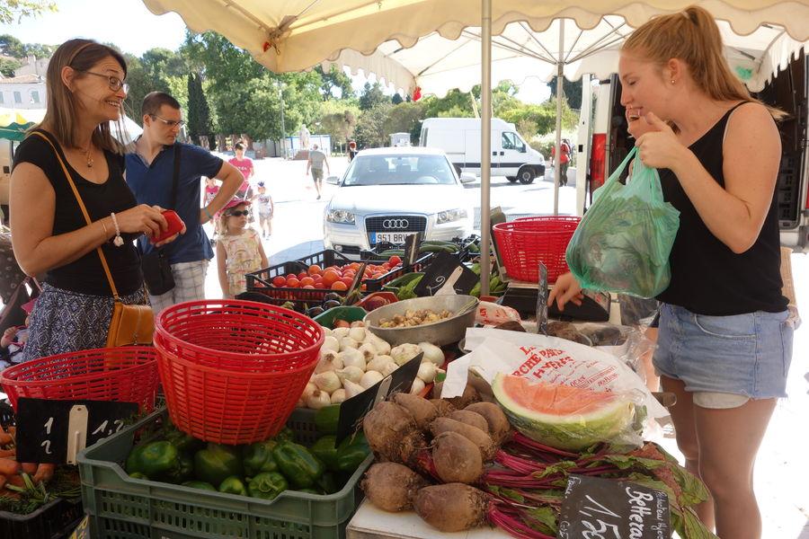 Le marché paysan du centre-ville à Hyères - 10