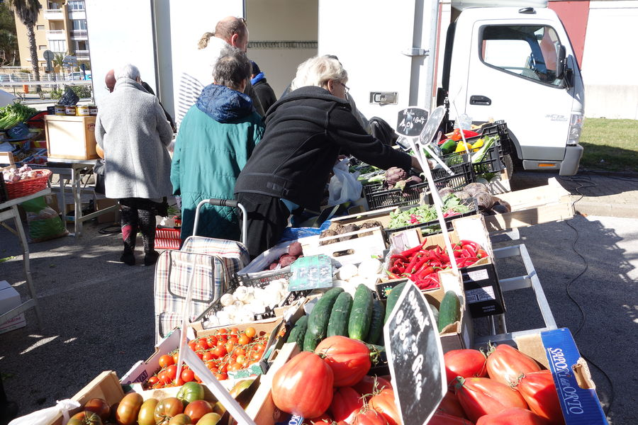 Le marché du port à Hyères - 1