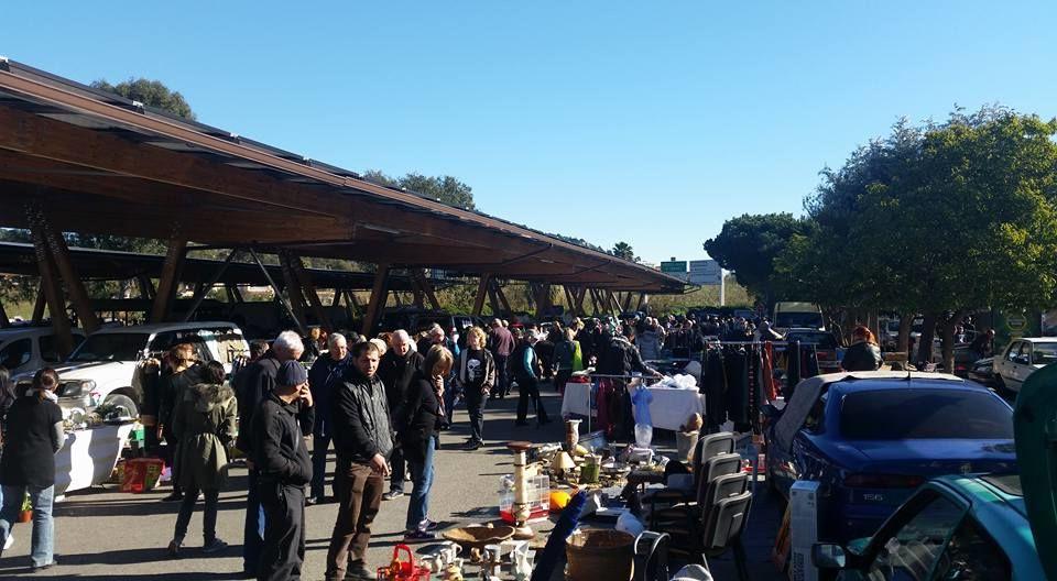 Vide grenier Centr'azur à Hyères - 1