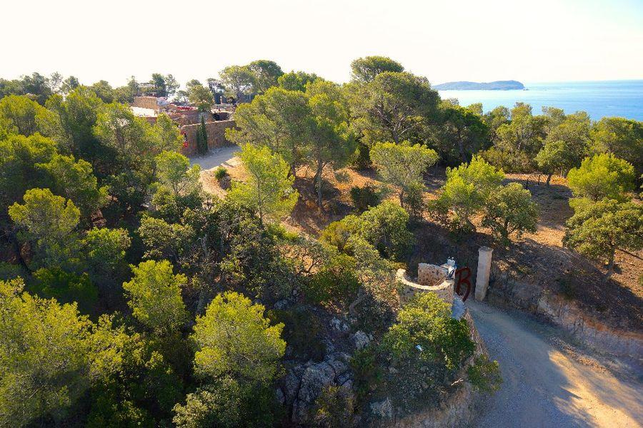 Visite guidée Fort de La Bayarde: Nature et Patrimoine à Carqueiranne - 0