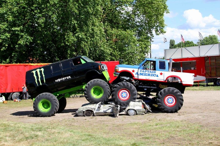 Les Cascadeurs Monster Show à Hyères - 0