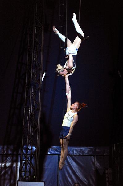 Cirque «Mad in Finland» par la compagnie Galapiat cirque à La Seyne-sur-Mer - 1