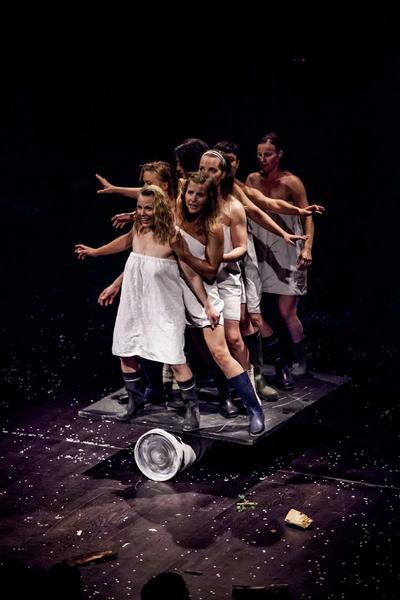 Cirque «Mad in Finland» par la compagnie Galapiat cirque à La Seyne-sur-Mer - 2