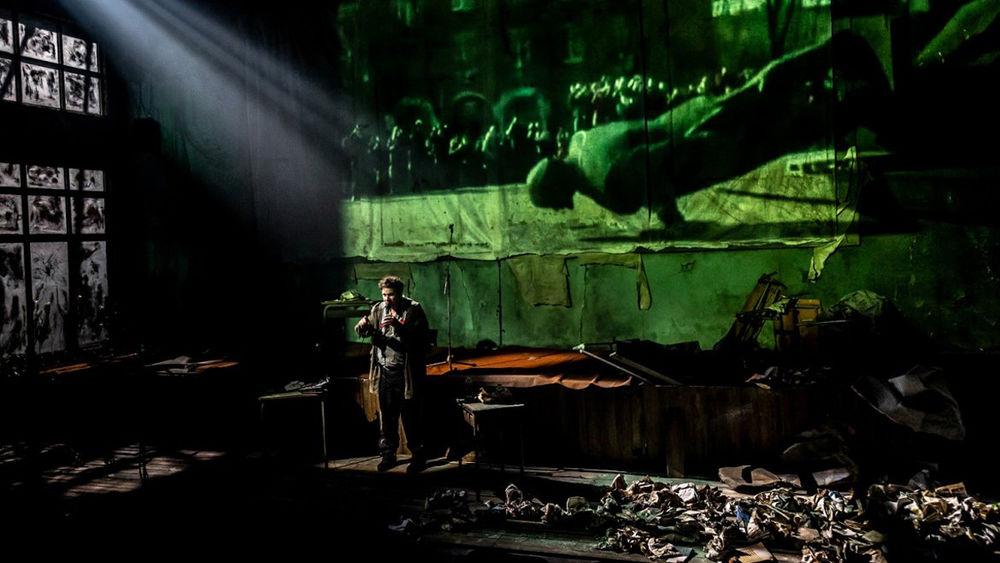 Théâtre «La Fin de l'homme rouge» à Ollioules - 3