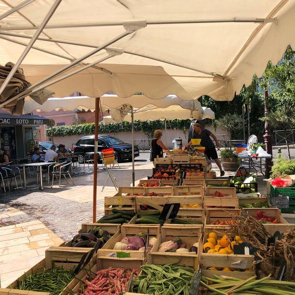 Le petit marché de la Moutonne du samedi matin à La Crau - 19