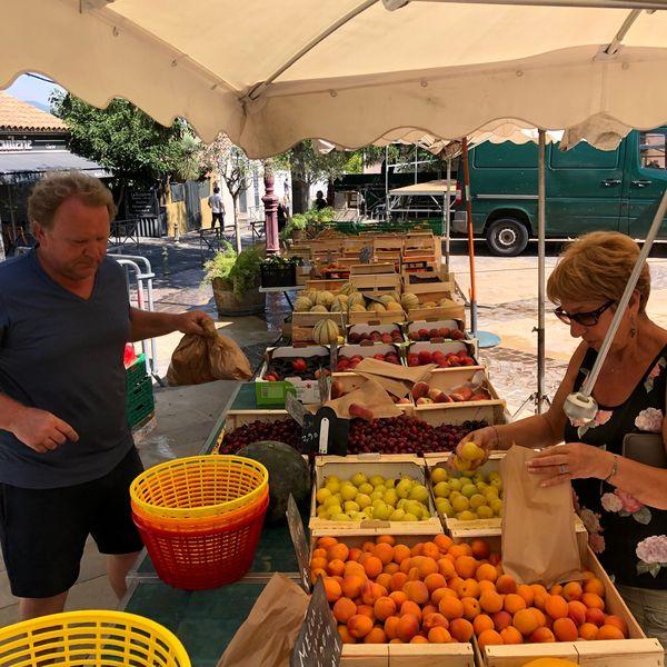 Le petit marché de la Moutonne du samedi matin à La Crau - 1