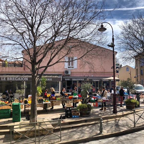 Le petit marché de la Moutonne du samedi matin à La Crau - 0