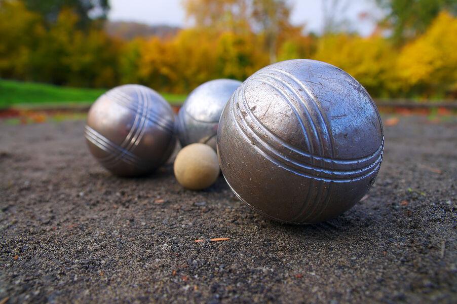 Concours de boules la Boul'Bouille (ouvert à tous pas besoin d'être licencié) à Six-Fours-les-Plages - 0