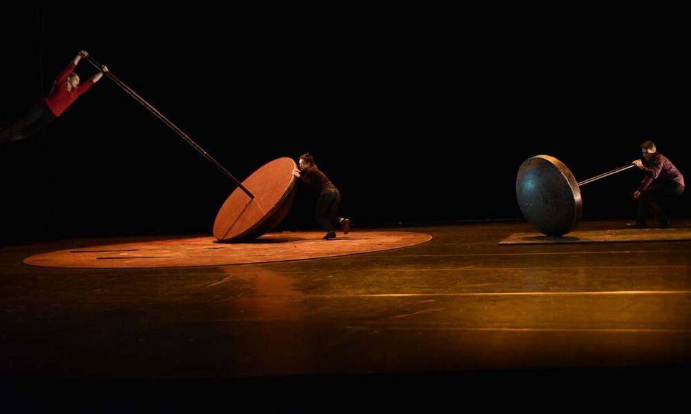 Cirque «Ploie sous mon poids» par la Cie Mauvais Coton à La Seyne-sur-Mer - 0