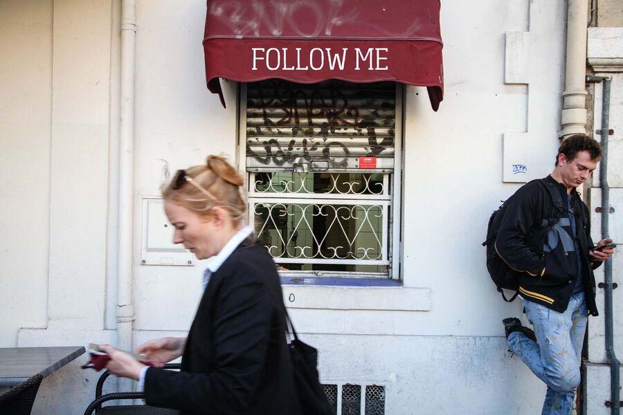 Regards sur rue : théâtre «Follow me» par la Cie Queen Mother à La Seyne-sur-Mer - 0