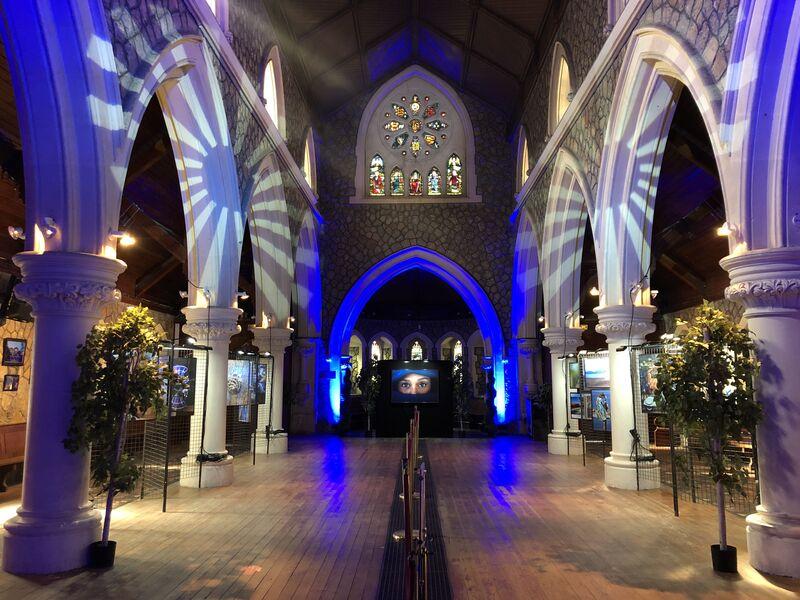 Exposition photo «Hyères en bleu» à l'église Anglicane à Hyères - 6