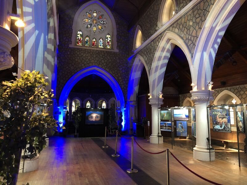Exposition photo «Hyères en bleu» à l'église Anglicane à Hyères - 10