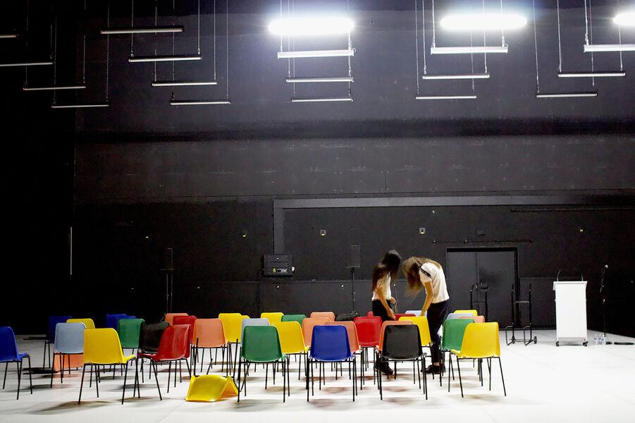 Théâtre «Soeurs» (Marina & Audrey) de Pascal Rambert à Ollioules - 0