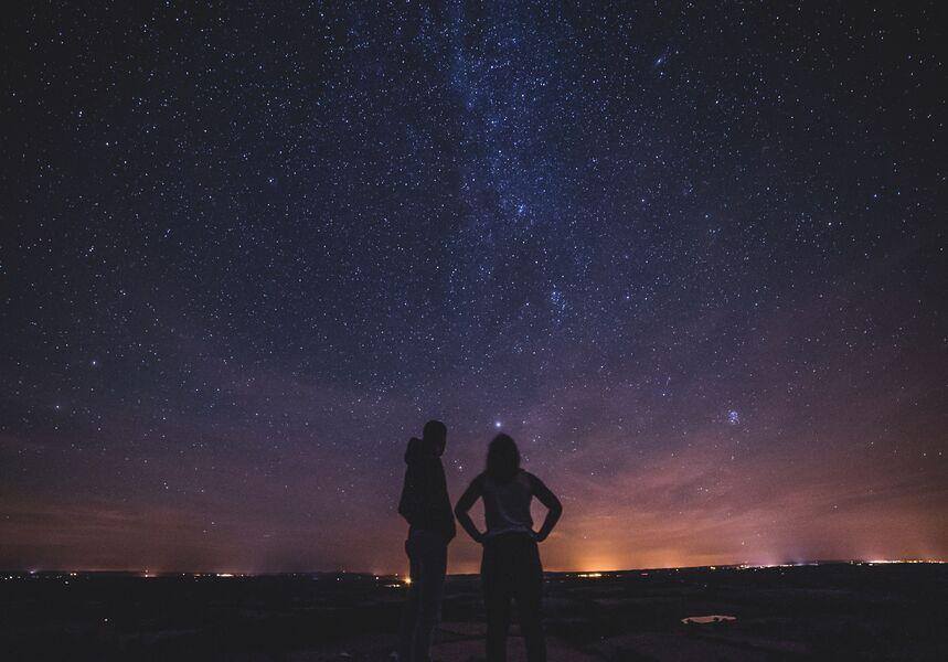 Ronde de nuit sous les étoiles (visite guidée) à Hyères - 0