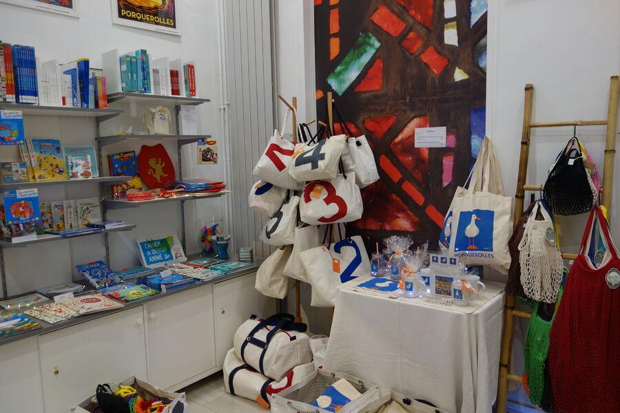 Boutique de l'Office de Tourisme d'Hyères à Hyères - 2