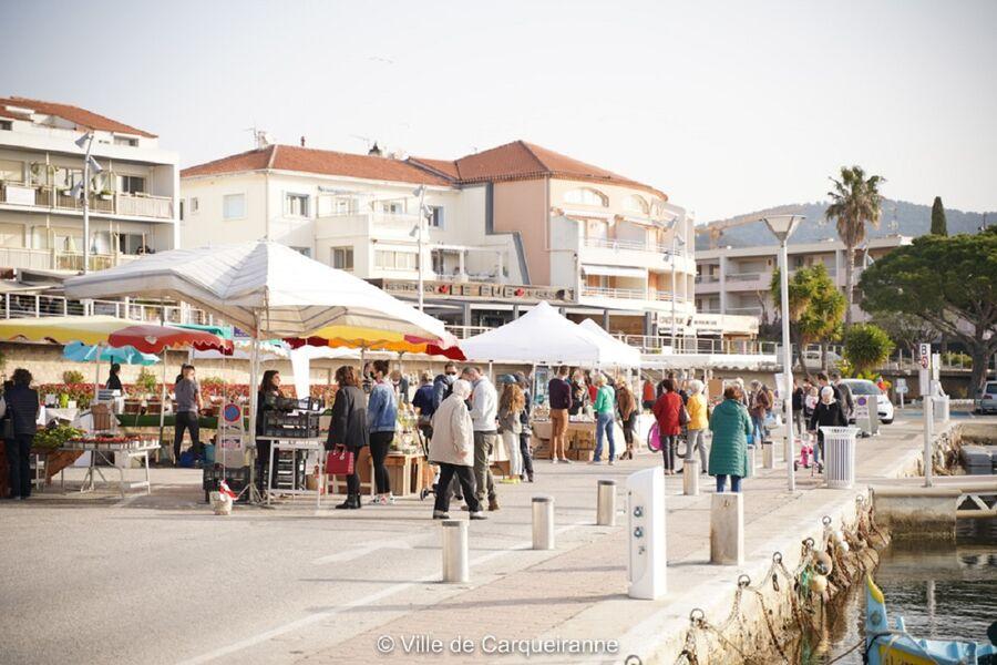 Marché de Producteurs et Artisans Locaux du Samedi à Carqueiranne - 0