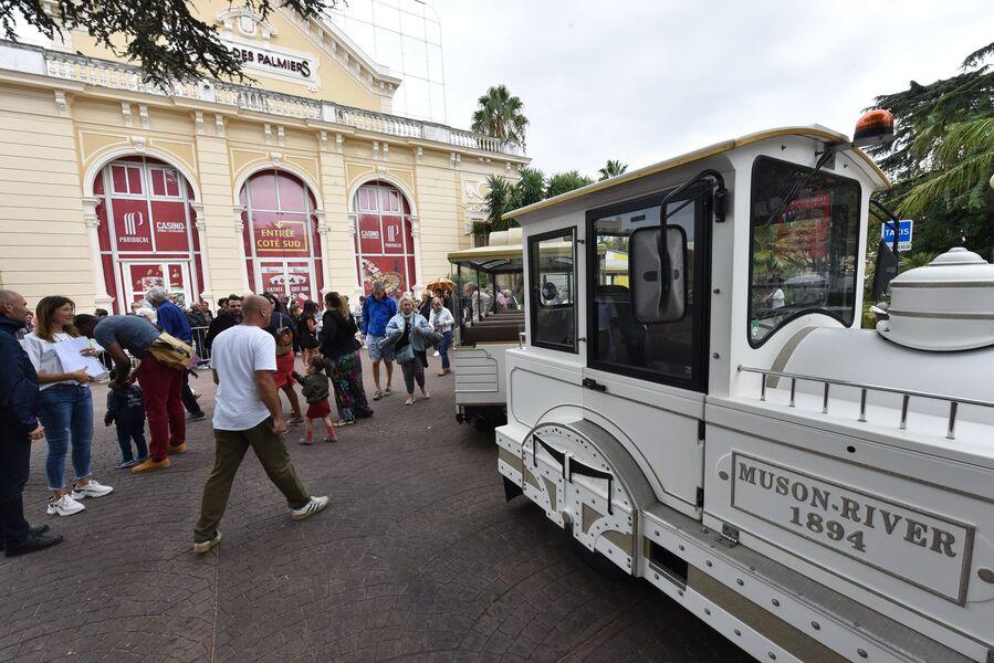 Visite de Hyères en petit train à Hyères - 1