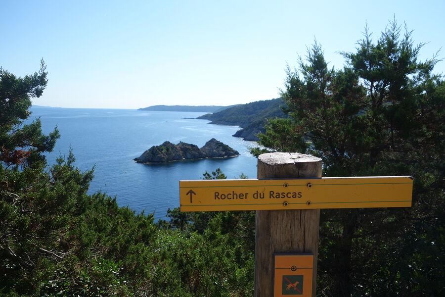Port Cros, perle des îles d'or à Hyères - 0