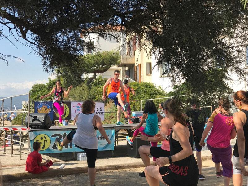 Zumba® party en plein air à Six-Fours-les-Plages - 0