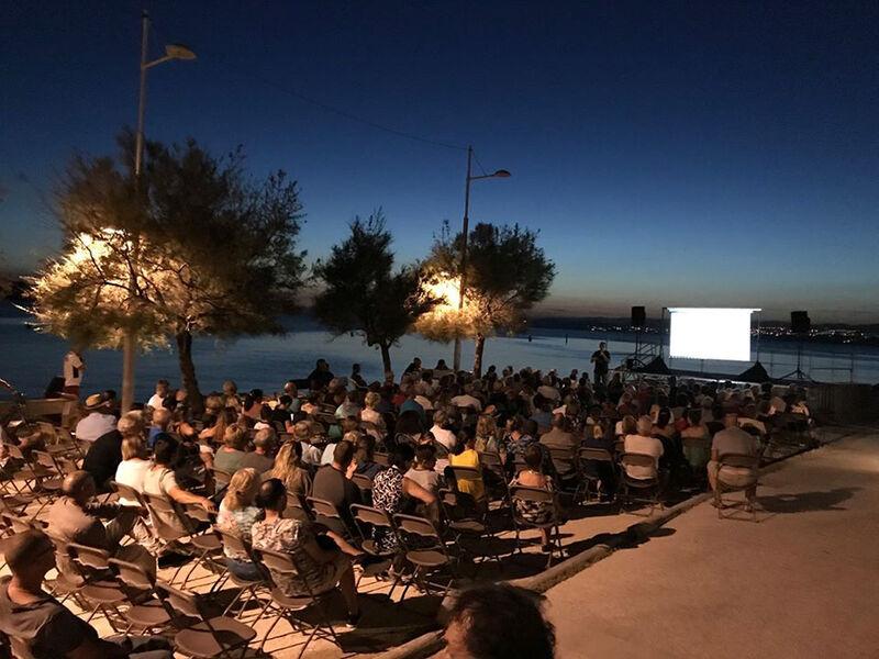 Cinéma en plein air au Brusc à Six-Fours-les-Plages - 0
